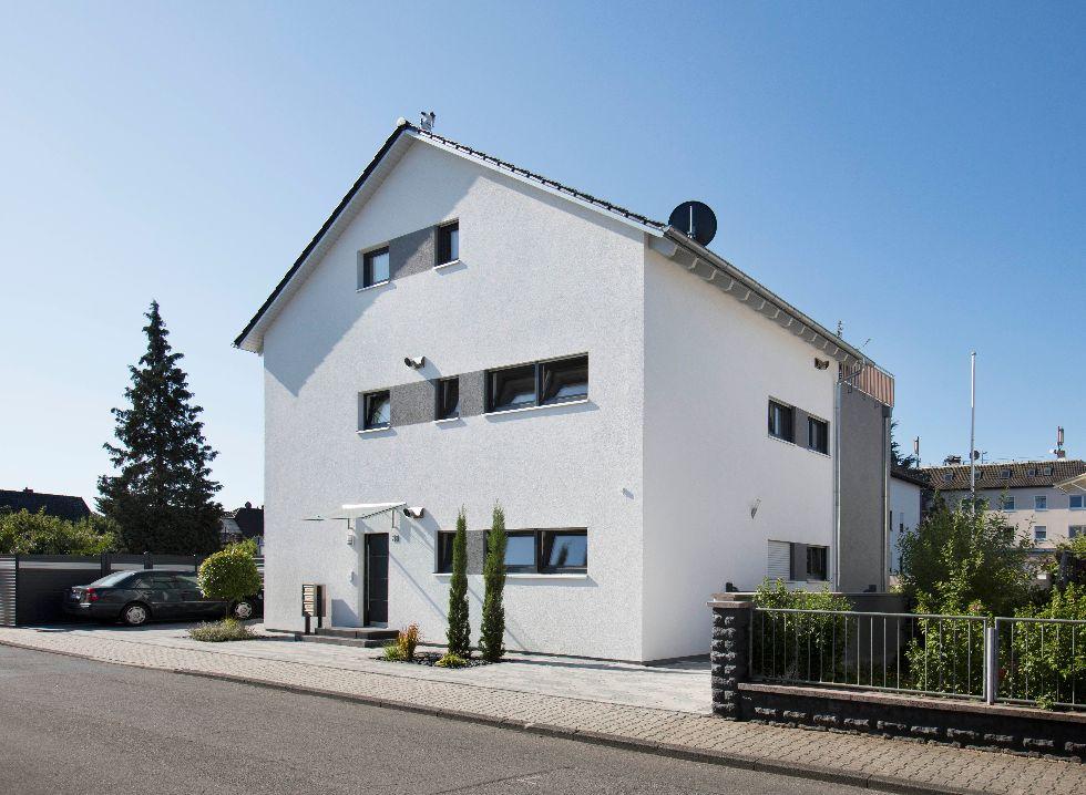 Mehrfamilienhaus 3-Familienhaus 230