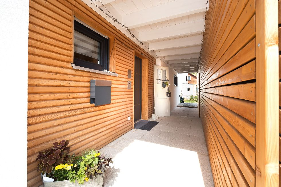 Holzvertäfelter Eingangsbereich