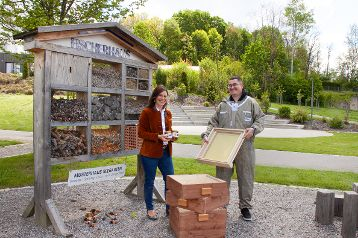 Die Neuen bei FischerHaus: Werksbienen verwöhnen Baupaare