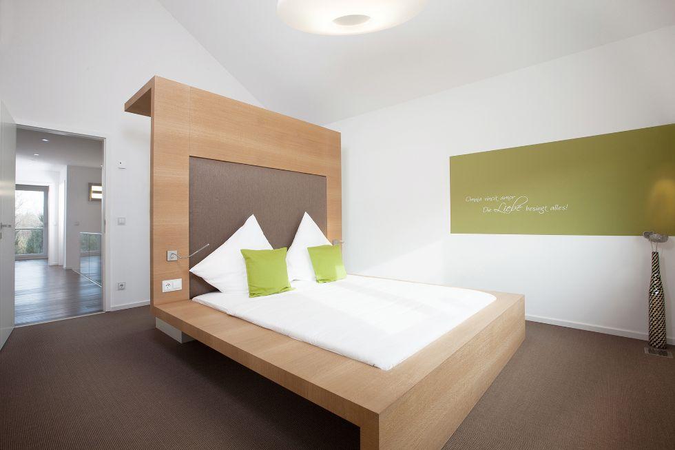 Das Bett als kreatives Herzstück des Zimmers