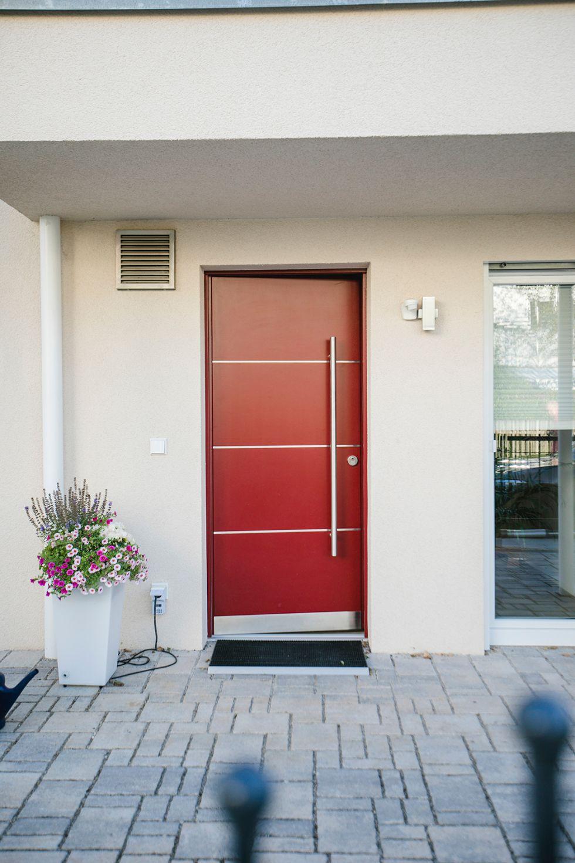 Extravagante Haustüren in kräftigen Farben