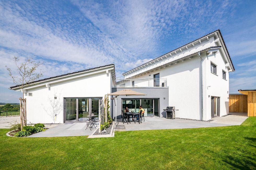 Einfamilienhaus Modern 240