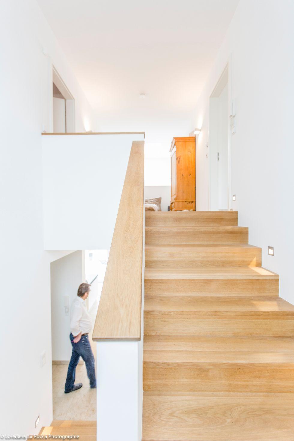 Geschlossene Treppe mit Setzstufen