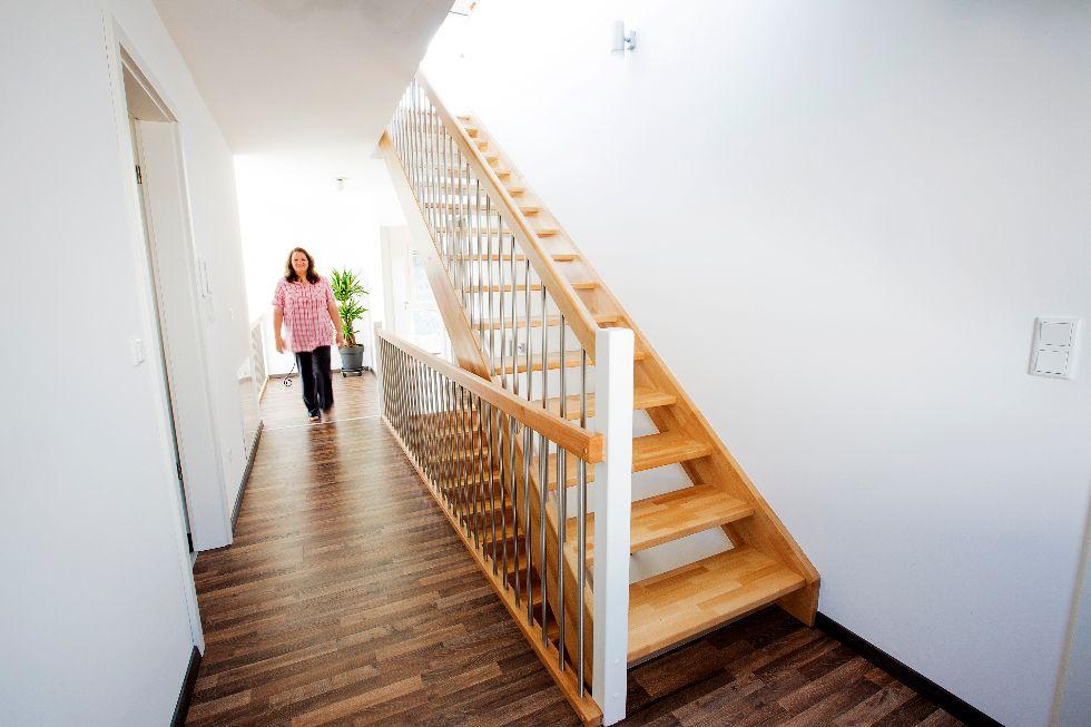 offene treppe fischerhaus fertigh user aus bayern. Black Bedroom Furniture Sets. Home Design Ideas
