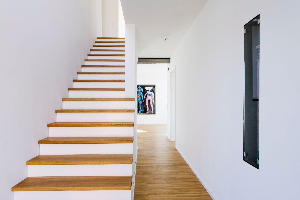 moderne helle Treppe