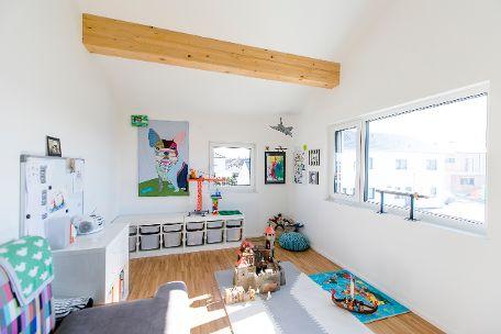 Helles Kinderzimmer